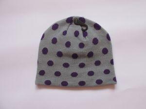 Zimní čepice puntík - šedá